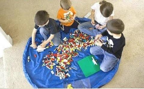 משטח פעילות שהופך בשניות לשק איסוף לצעצועים